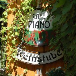 Cafe / Restaurant Piano