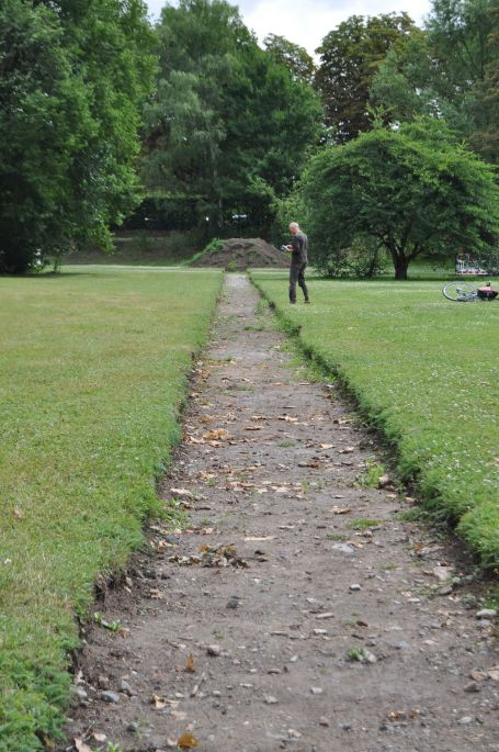 Lous Weinberger - Ruderal Society: Excavating a Garden